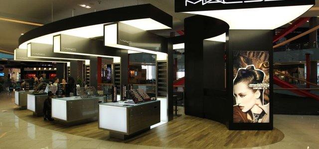 فروشگاه آرایشی مک دبی مال | Photo by : Unknown