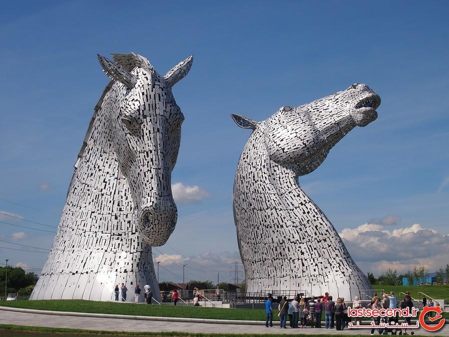 مجسمه کلپی ها، شهر گرانجموت کشور بریتانیا