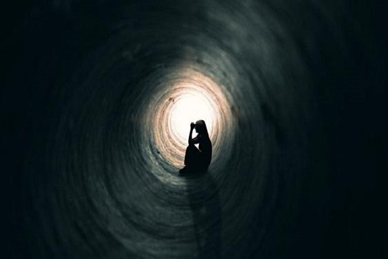 خطر خودکشی را جدی بگیریم