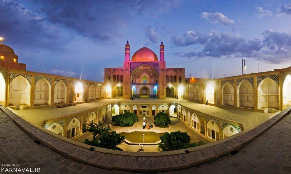 مسجد آقابزرگ در شب | Photo by : Unknown
