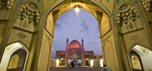 مسجد آقابزرگ کاشان | Photo by : Sergey Broshevan
